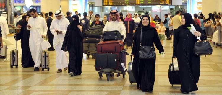 مطالب كويتية بمنع عودة الوافدين إلى أراضيها