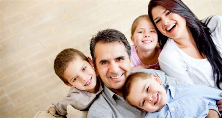 الأسرة المكونة من 3 أطفال أقل سعادة... لماذا؟