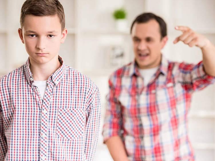 بالموسيقى والملاكمة.. هكذا تتعامل مغ نوبات غضب ابنك المراهق