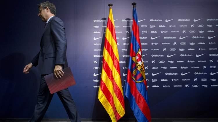 استقالات جماعية في برشلونة.. فمن سيقود الفريق؟