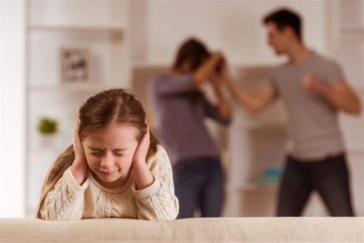 دراسة: الأجواء الممطرة تزيد من حالات العنف المنزلي