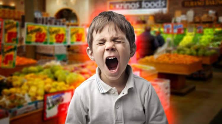 """كيف تتعامل مع طفلك """"اللحوح"""" أثناء التسوق؟"""