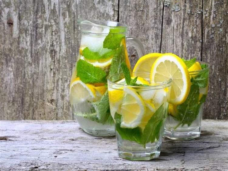 مشروبات تخلص جسمك من السموم قبل عيد الفطر