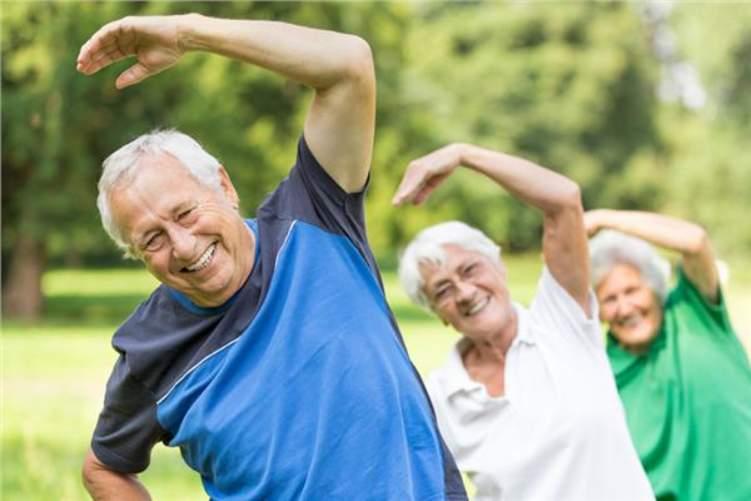 9 معلومات خاطئة حول ممارسة الرياضة بعد الـ 50