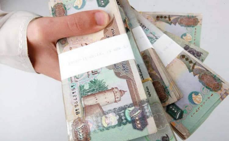 الرواتب في الإمارات إلى أعلى مستوى