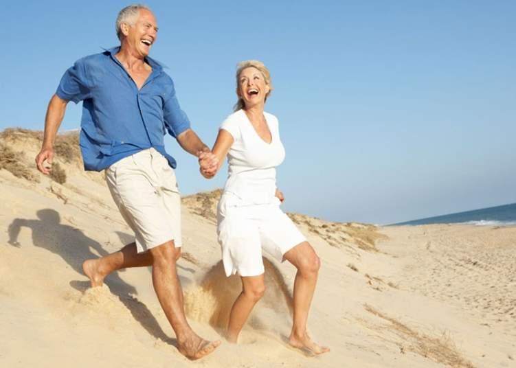 دراسة: السعادة الزوجية تطيل العمر وتمنحك الشباب الدائم