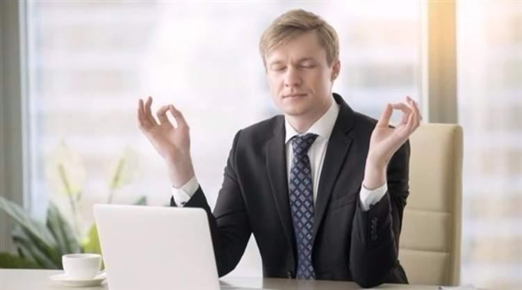 تمارين بسيطة تخلصك من التوتر في مكان العمل