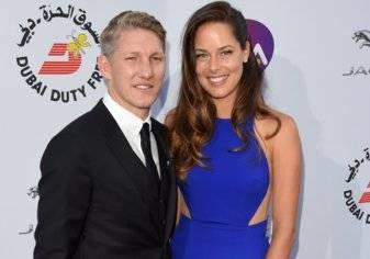 بالصور.. نجم المنتخب الألماني وصديقته حسناء التنس يحددان موعد زفافهما