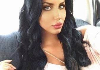 بالفيديو...تعرف على أول عارضة أزياء سعودية مقيمة بالمملكة