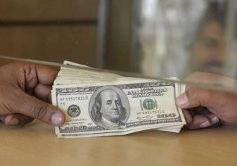 سفير مصر بالسعودية يُطالب المصريين العاملين بالخارج بتحويل 90 دولاراً شهرياً