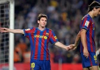 بالصور.. هذا سبب خلاف إبراهيموفيتش وميسي في برشلونة!