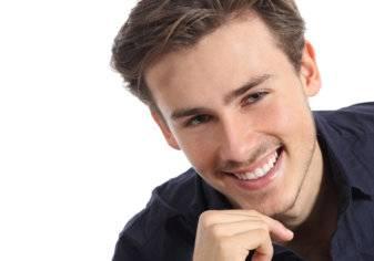 7 طرق طبيعية لتبييض الأسنان