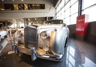 بالصور...أول صالة عرض سيارات كلاسيكية متعددة الأغراض في الإمارات