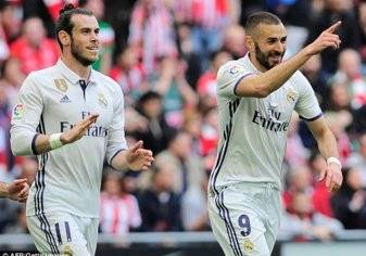 بالصور.. نجم ريال مدريد يخضع لعملية زرع شعر!