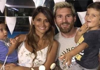 بالفيديو.. شبيهة زوجة ميسي تثير جدلاً في الأرجنتين