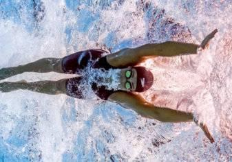 بالصور.. سباحة مصرية حديث العالم!