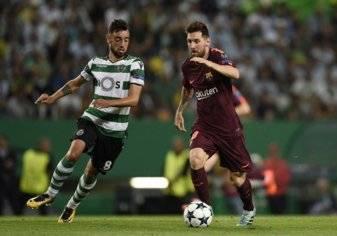 """بالصور.. جماهير البرتغال تستفز ميسي بـ """"تيفو"""" رونالدو!"""