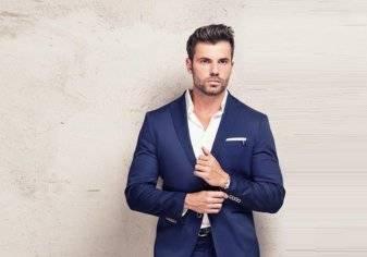 كيف ترتدي بدلة رسمية دون ربطة عُنق؟