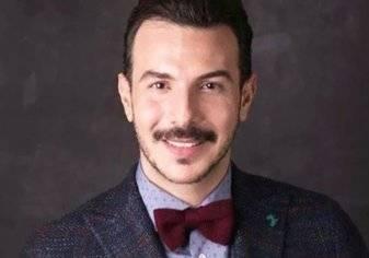 بالصور .. باسل خياط يثير الجدل!