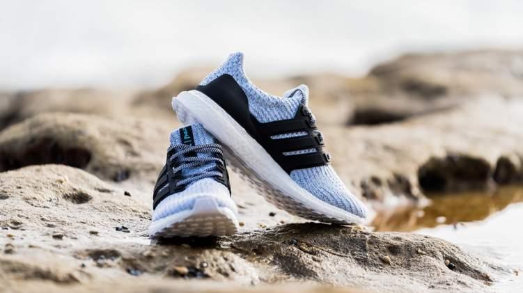"""جديد الموضة.. حذاء رياضي مصنوع من الزجاجات البلاستيكية من """"أديداس"""""""