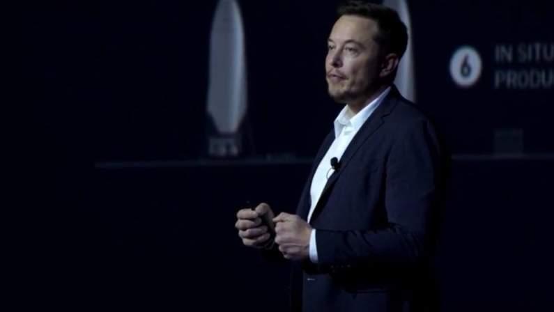 SpaceX-CEO-Elon-Musk-reveals-Mars-colonization-plans-889x558.jpg