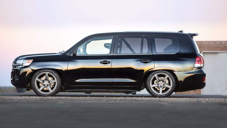 Toyota-Land-Speed-Cruiser-2016-SEMA.jpg