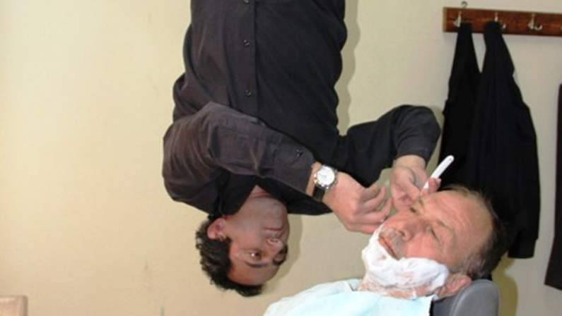 121-124307-bat-barber-practices-profession-strangely-5.jpeg
