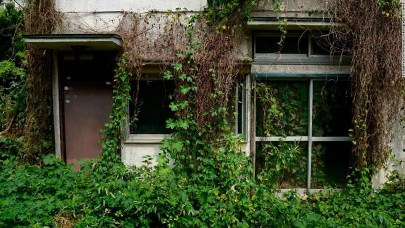 121-192824-japan-vacant-akiya-ghost-homes-2.jpeg
