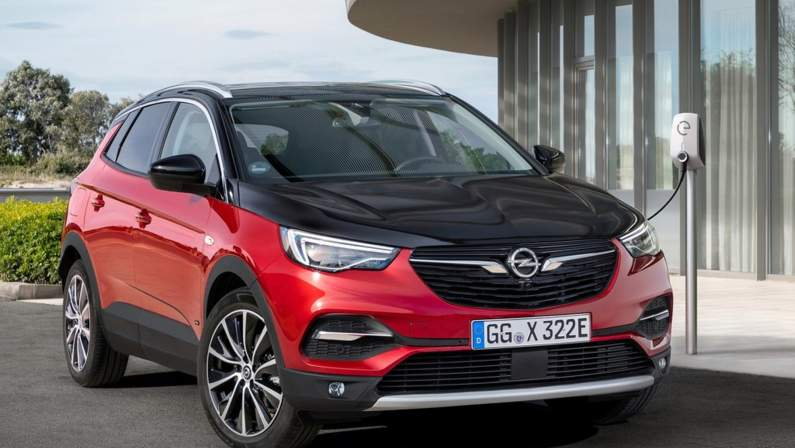 Opel-Grandland_X_Hybrid4-2019-1024-02.jpg