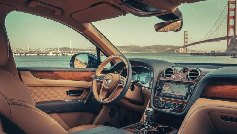 Bentley-Bentayga_Hybrid-2019-1024-29.jpg
