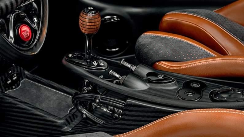 Pagani-Huayra_Roadster_BC-2020-1024-1b.jpg
