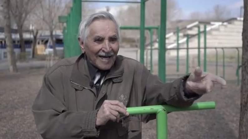 1621026494_937_روسى-عمره-94-عامًا-يفوز-بوسام-ذهبى-فى-اختبارات-التحمل.jpg