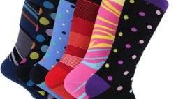 552165-جوارب-بألوان-زاهية.png