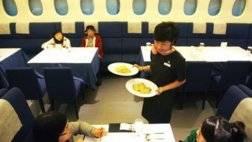 سنغافورة-تحول-طائراتها-إلى-مطاعم-800x549.jpg
