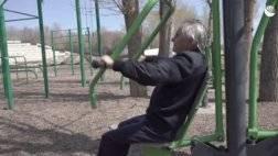 روسى-عمره-94-عامًا-يفوز-بوسام-ذهبى-فى-اختبارات-التحمل (1).jpg