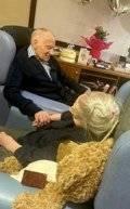 75-سنة-جواز-زوجان-بريطانيان-يحتفلان-بعيد-ميلادهما-الـ-100.jpg