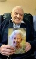 1618758383_611_75-سنة-جواز-زوجان-بريطانيان-يحتفلان-بعيد-ميلادهما-الـ-100.jpg