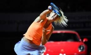 بالصور.. شارابوفا تعود لملاعب التنس بعد إيقاف 15 شهراً