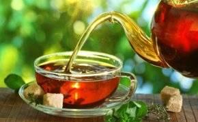 احذر! .. تناول الشاي على الريق يدمر صحتك