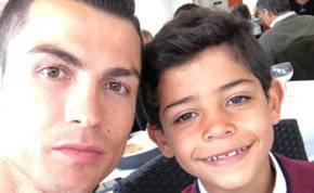 الشرطة تحقق مع ابن رونالدو بسبب هذا الفيديو!