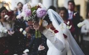 شاهد .. عروس بيروت التي لم تفرح بزفافها