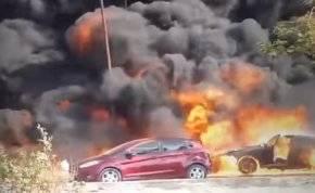 بالفيديو  .. حادث خطير يشعل 7 سيارات معاُ