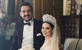 لقطات من شهر عسل ديانا كرزون وزوجها العمري