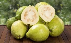 الجوافة.. تكافح الشيخوخة والسمنة وتقوى البصر