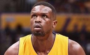 هل الرياضة تصلح ما أفسدته الحروب؟ لاعب عالمي يدعم السودان بكرة السلة