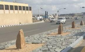 """""""شواهد القبور"""" تزين شوارع أبها السعودية.. ما قصتها؟"""