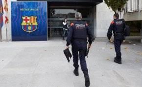 الشرطة تداهم نادي برشلونة.. ما الحكاية؟