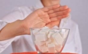 4 خطوات لتناول كميات أقل من السكر