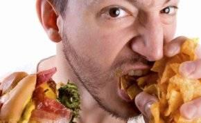دراسة: الإفراط في تناول الطعام لا يسبب السمنة!