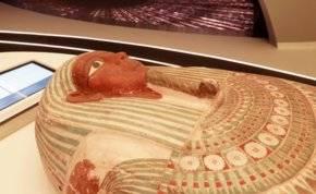 تابوت فرعوني يسافر من مصر إلى دبي.. ما قصته؟